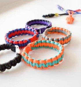 Модные браслеты из паракорда