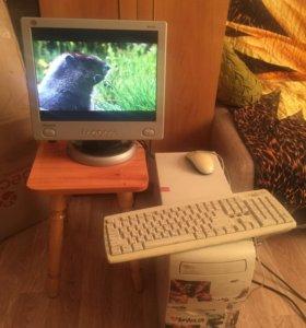 Настольный компьютер в сборе с ЖК монитором