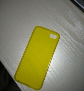 Чехол на iphone 5s (силиконовый, жёлтого цвета)