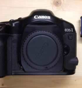 Canon EOS 1V 35mm (Body)