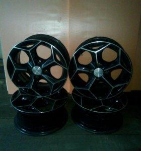 Комплект литых  дисков R-14.