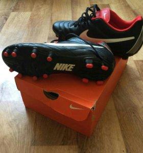 Новые бутсы Nike Tiempo