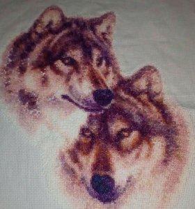 Вышивка крестиком ручной работы. Волки