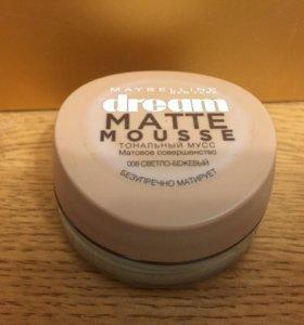 Матовый тональный крем от Maybelline