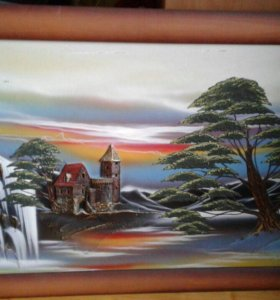 Две картины краски и гобелен; 1000 и 2500 рублей