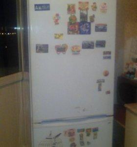 Холодильник. Стинол.