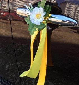 Свадебное украшения для машины