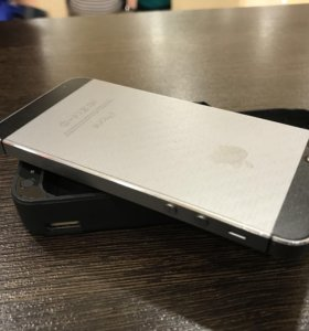 iPhone 5S 16gb РСТ