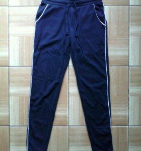 Новые спортивные брюки 42-44