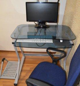 Компьютерный стол и кресло