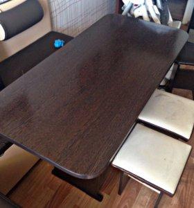 Стол кухонный обеденный
