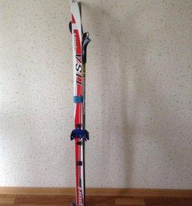 Комплект детских лыж. Палки 125 см.