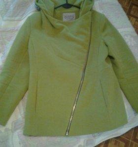 Полу-пальто 48размера