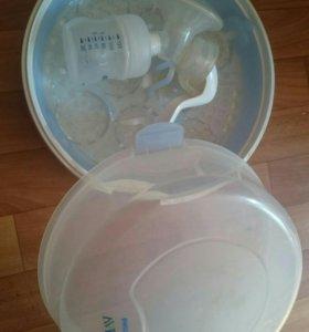 Молокоотсос Avent и стерилизатор для микроволновки