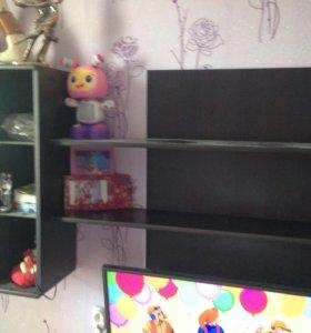 Полка и шкафчик