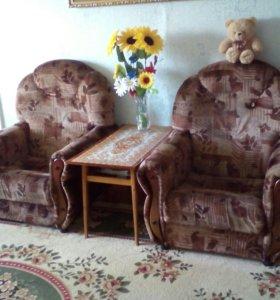 Диван и 2 кресла