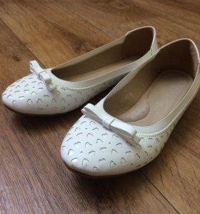 Туфли для девочек (балетки)