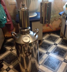 Аппарат для приготовления дистиллированной воды.
