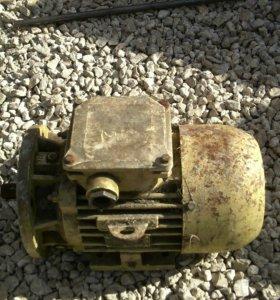 Двигатель Асинхронный.тип 2ДМШ 90SB2 ом5 3ф Y380 1.1квт 50ГЦ 2875об/мин