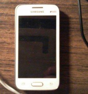 Телефон Samsung Galaxy Ace 4 Lite Duos