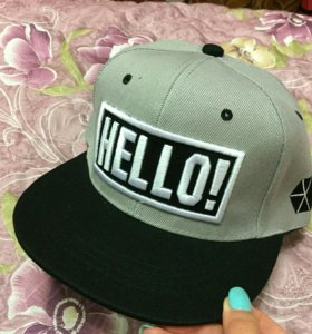 Кепка Hello (новая)