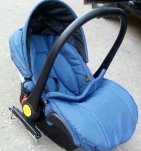 Автокресло для новорождённых