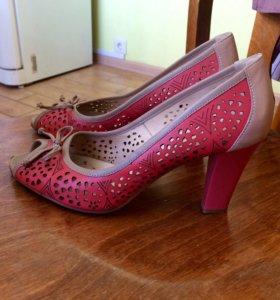Туфли натуральная кожа 37,5