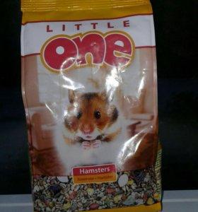 Продам срочно корм для хомячков Little one