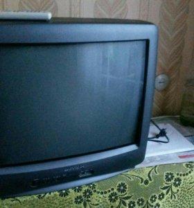 Цветной телевизор Daewoo.