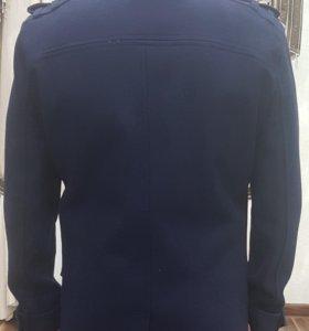 Продается новое мужское пальто.