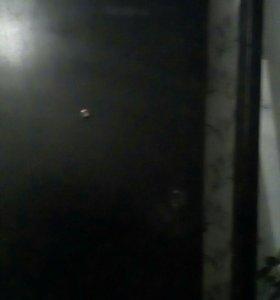 Железная дверь
