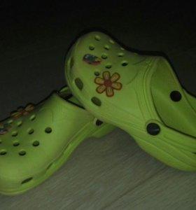 Crocs пляжные сандали