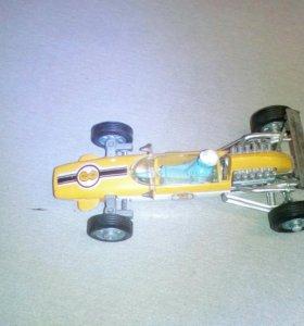 Модель гоночного авто