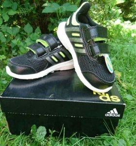 Новые детские кроссовки адидас (adidas)