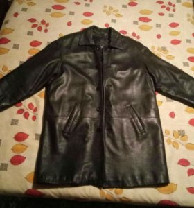 Кожанное пальто.