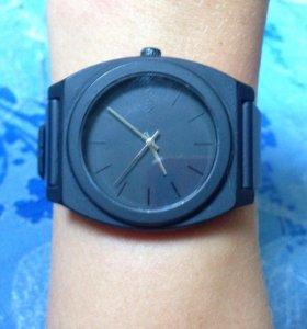 Часы Nixon Minimal