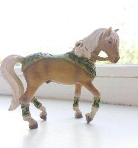 Лошадь из набора. Schleich.