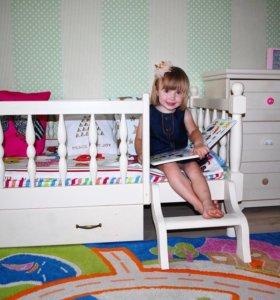 Новая деревянная подростковая кровать с матрасом