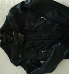Кожаная куртка 44 р-р