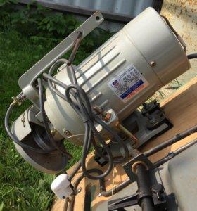 Мотор для швейной машины,220 вольт.