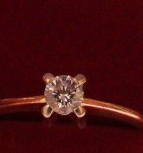 Кольцо с бриллиантом 💍 золотое