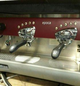 Кофемашина для ресторана и кафе.