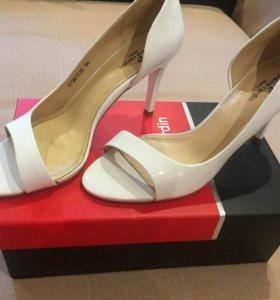 Свадебные туфли (босоножки)