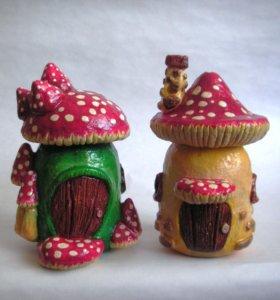 Грибы-домики