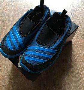 Adidas тапки новые