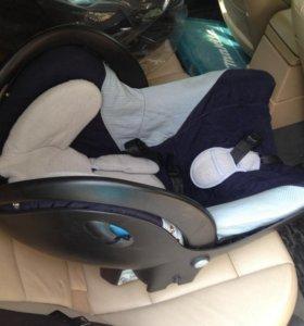 Детская автомобильная переноска-кресло