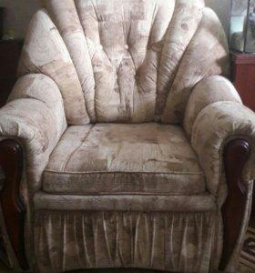 Кресло - кровать 2 штуки