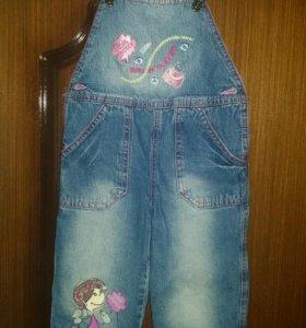 Зимний джинсовый комбинезон