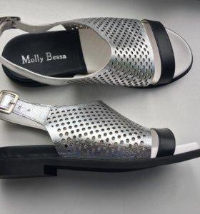 Серебристые босоножки Molly Bessa