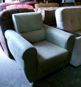 Кресло мягкое нежно зеленое